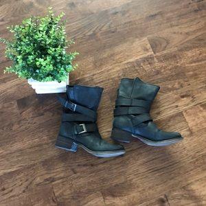 Steve Madden Brewzzer Moto boots